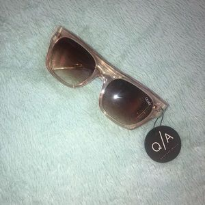 "NWT Quay Australia ""Something Extra"" Sunglasses"